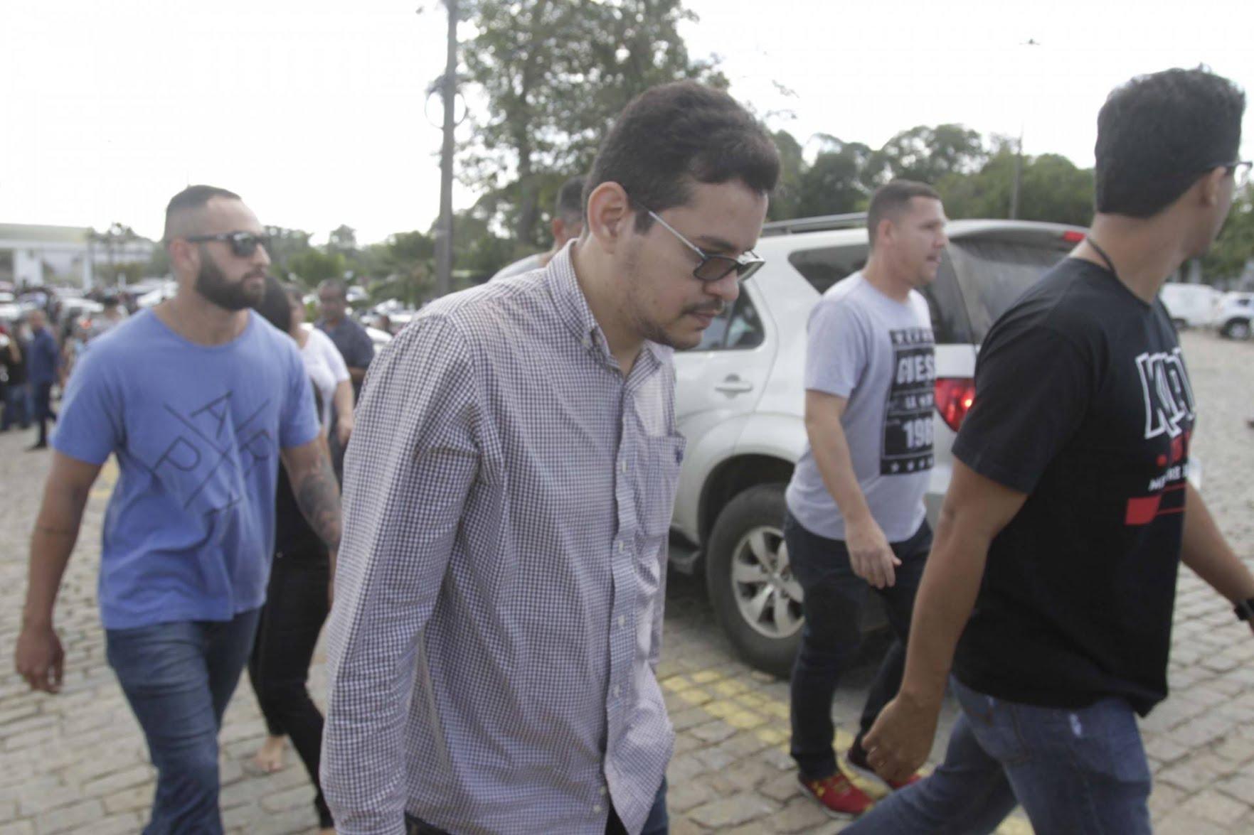 Flávio Rodrigues, filho da deputada Flordelis, foi preso após enterro. Ele é apontado como um dos mandantes do crime